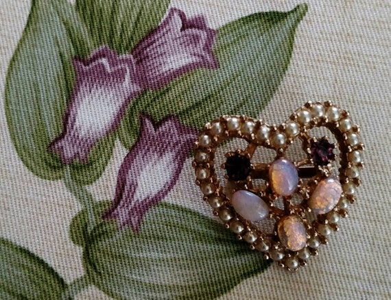 Vintage Rhinestone Faux Opal and Faux Pearl Heart… - image 3