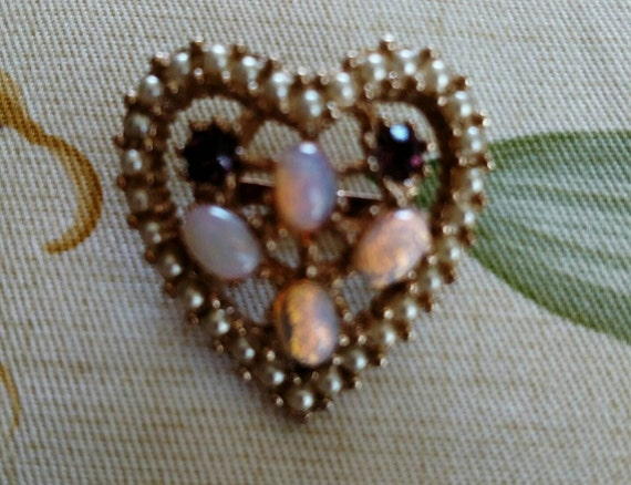 Vintage Rhinestone Faux Opal and Faux Pearl Heart… - image 4