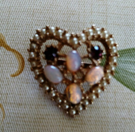Vintage Rhinestone Faux Opal and Faux Pearl Heart… - image 2