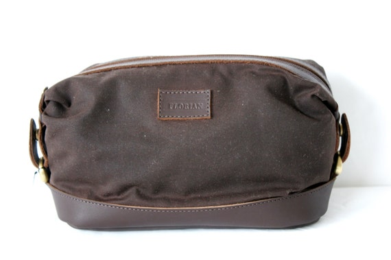 Mens Toiletry Bag in Waxed Canvas and Leather