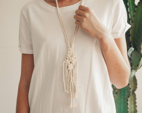 faye macrame necklace