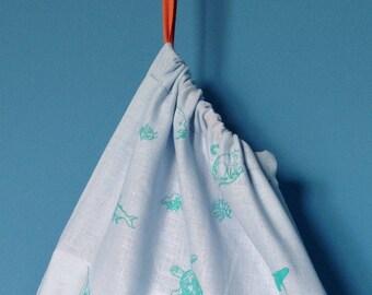 Vamizi five drawstring bag.