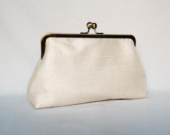 Bridal clutch purse, Pearl Ivory Silk Clutch Purse, Wedding Clutch Purse, Ivory Silk Clutch, Bridesmaids Clutch, Handmade Bridal Clutch