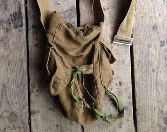 sac besace en toile Vintage / armée sac de masque à gaz / sac à vin / petit sac besace