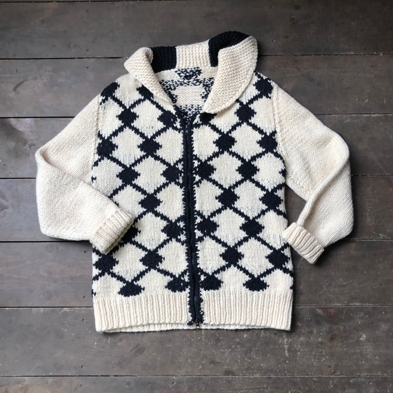 Vintage Hand Knit Sweater || Black and White Knit