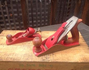 Rustic Red Vintage Hand Planes, Rustic Home Decor, Farmhouse Decor, Vintage Tools, Retro Garage, Carpentry Woodworking