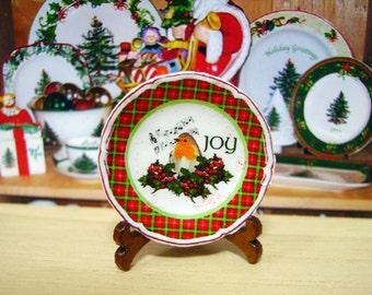 Christmas Robin Miniature Plate for Dollhouse 1:12 scale