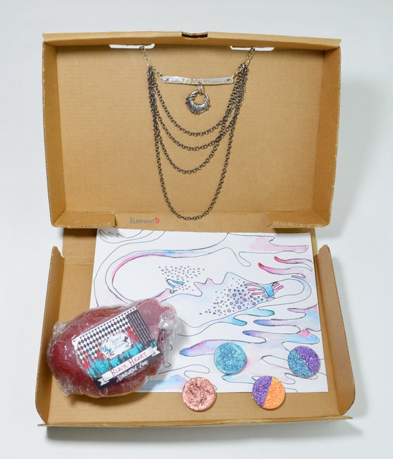 The Sinner Gift Box For Her Curated Birthday Ideas