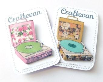 Retro floral record/vinyl player Brooch
