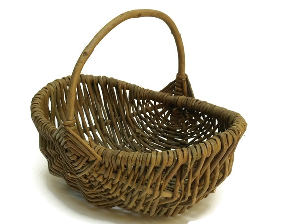 Rustic French Egg Basket.
