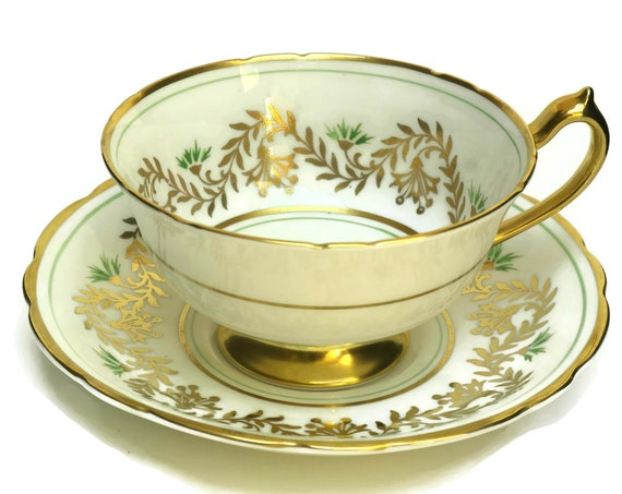Paragon Bone China Tea Cup & Saucer Set.