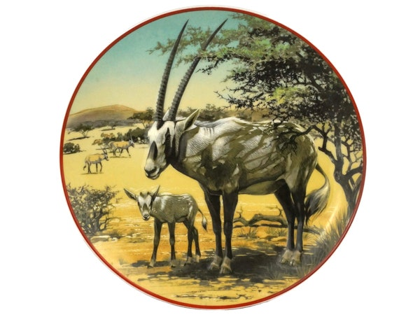 Heinrich Villeroy and Boch WWF Plate with Sable Antelope, Collectible Porcelain World Wildlife Fund Save Nature Wall Plate