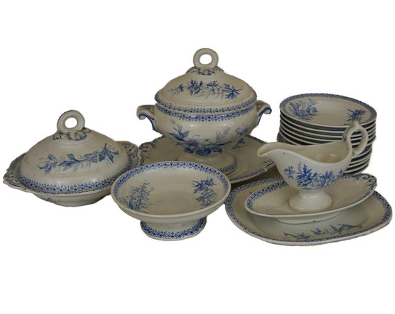 Antique French Faience Toy Dinner Service by Villeroy and Boch in Wallefangen Pattern, Miniature Blue and White Soup Tureen, Bowls, Plates