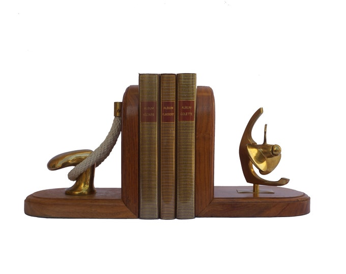 Nautical Brass Ship Bookends with Propeller, Cleats and Rope, Vintage Coastal and Boating Home Decor
