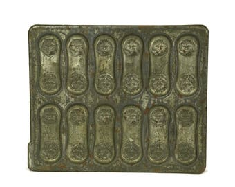 Antique Cat Candy Mold. French Letang Fils Chocolate Mould. Biscuit Baking Tray. Rustic Kitchen Decor. Easter Decoration.