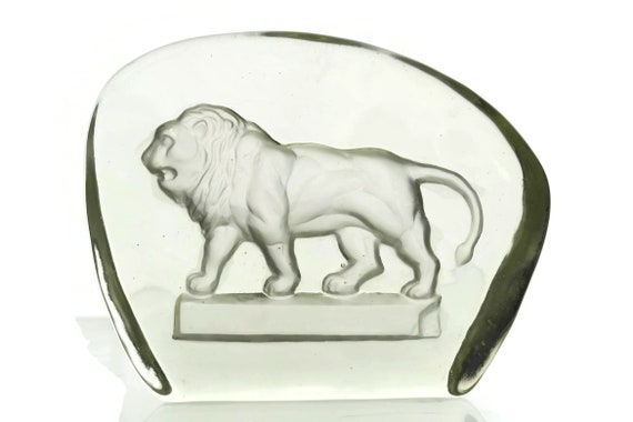 Vintage Glass Lion Figurine Paperweight, Intaglio Engraving, Wildlife Art, Gift for Leo