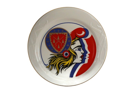 Chaine Des Rotisseurs Collectors Plate with French Marianne Portrait by Homer Laughlin China Co