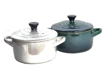 Le Creuset Stoneware Mini Round Cocotte Pot with Lid, Pair of French Kitchen Ramekin Dishes