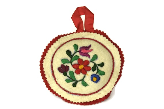 Embroidered Flower Pincushion. Handmade Felt Embroidery. French Vintage Craft Room Decor. Gifts For Her.