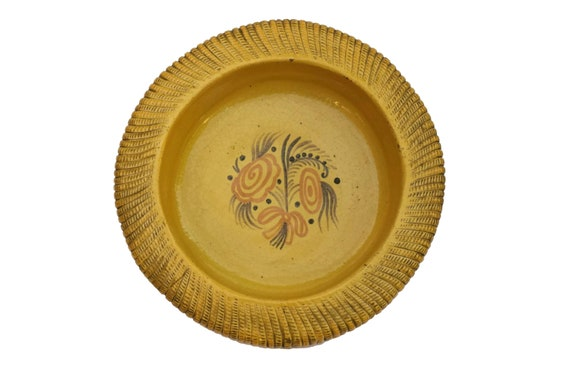 Ceramic Basket Weave Salad Bowl, Primavera Stoneware Dish