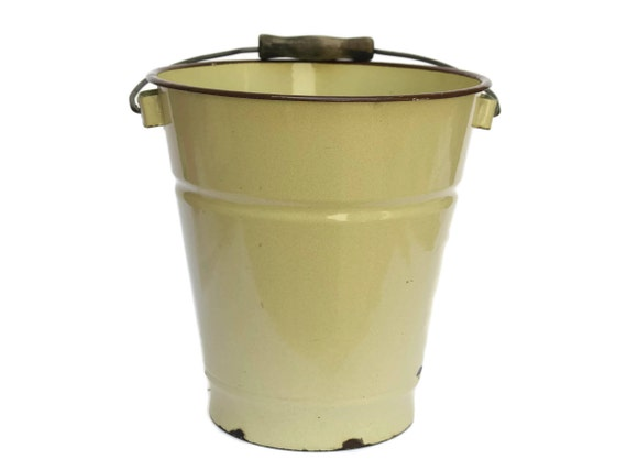French Enamel Beige Bucket. Rustic Kitchen Bin. French Vintage Enamelware Water Pail.