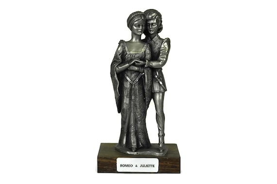 Romeo and Juliet Vintage French Pewter Figurine. Shakespeare Statuette. Engagement Gift. Theater Decor.