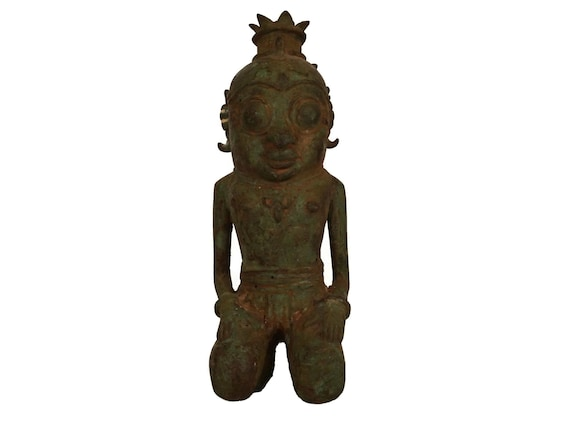 Antique Bronze Indonesian Ancestor Statuette , Primitive Kneeling King Figure