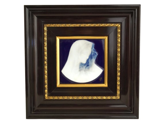 Virgin Mary Cameo Portrait