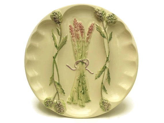 Vintage Asparagus and Artichoke Plate. Italian Pottery Wall Plate Stamped FG. Country Cottage Kitchen Decor.