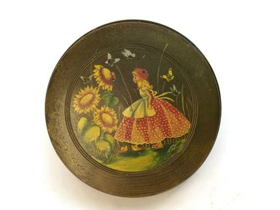 Hand Painted Jewelry Box. Round Wooden Bowl with Lid. Vintage French Girl's Ring Dish.
