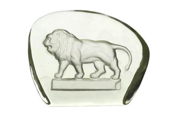 Vintage Glass Lion Figurine Paperweight, Intaglio Engraving Wildlife Art, Gift for Leo