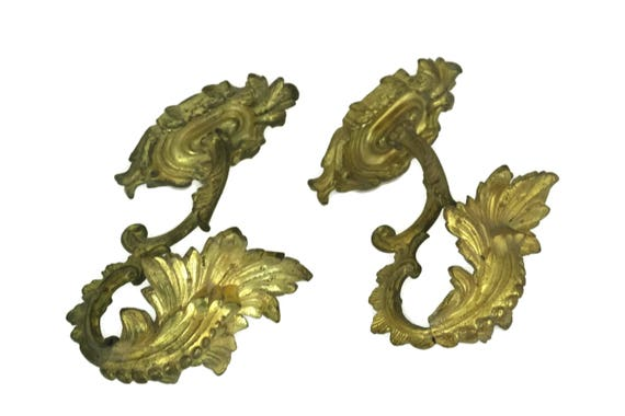 Antique French Curtain Tie Backs, Pair of Gilt Bronze Rococo Curtain Hooks with Acanthus Leaves