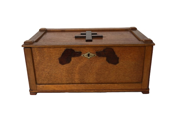 Vintage Mens Wood Valet Box with Horse, Dog Head Portraits and French Cross of Lorraine, Jewelry Storage and Dresser Decor