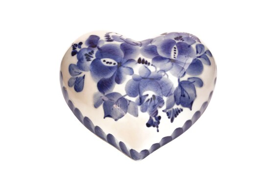 Heart Shaped Jewelry Box, Gzhel Hand Painted Blue and White Ceramic Trinket Dish, Russian Souvenir