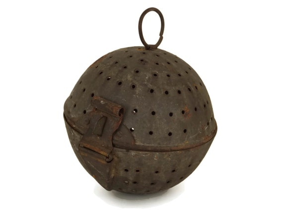 French Antique Rice Boiler Cooking Ball, Metal Tea Leaves and Herbs Infuser Steamer, Rustic Kitchen Utensil