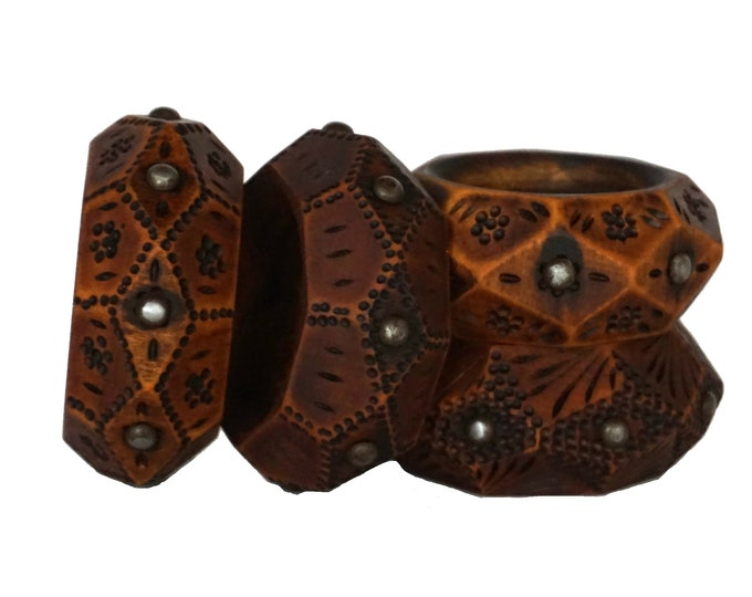 Hand Carved Wooden Napkin Ring Set of 4, French Arts and Crafts Serviette Holders and Table Decor