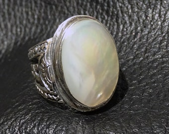 Mother of Pearl Ring, Silver, Vintage