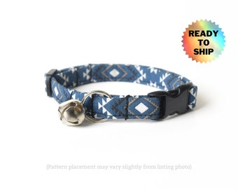 """Blue Tribal Cat Collar 