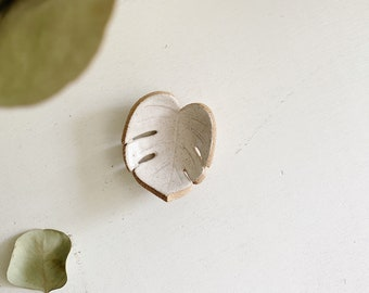 Monstera Leaf Ring Dish - Plant Ring Holder - Plant Lover Gifts - Ceramic Ring Dish