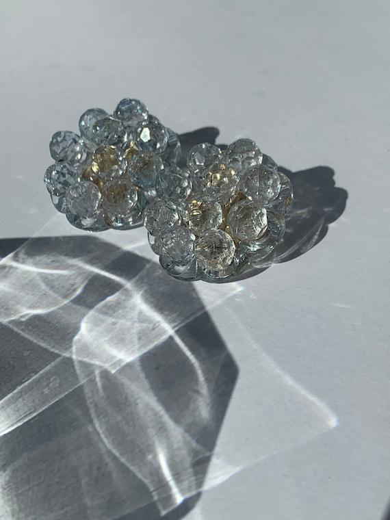 60s clear bead cluster earrings / beaded clip earr