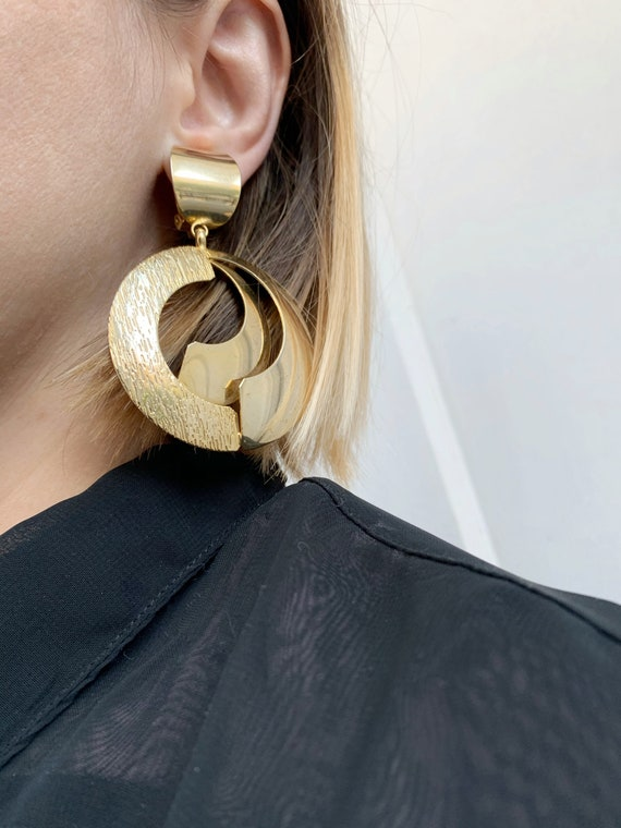 90s oversized hoop earrings / golden hoop clip ear