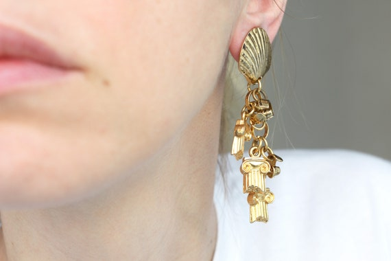 Silver Tone and Crackle Shell Drop Pierced Earrings 1980-/'90s
