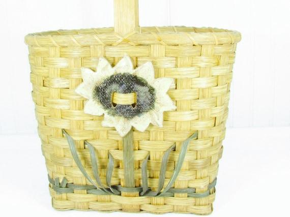 Vintage purse, wicker purse, basket,straw purse,ha