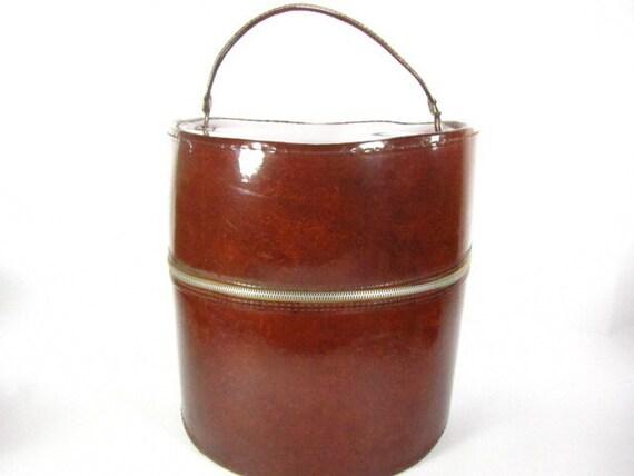 Hat box luggage,retro,groovy, 1970s Suitcase,round