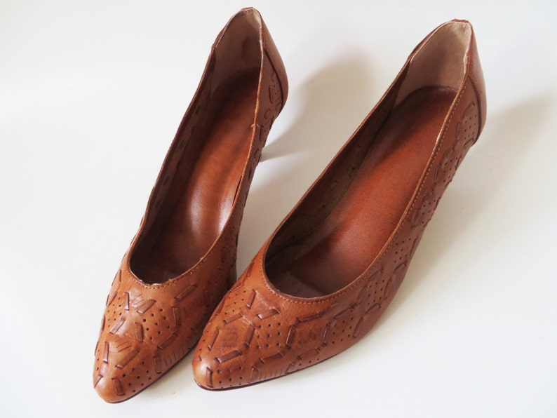 d35ae215760 Vintage 80s Woven Leather Pumps Caramel Brown Genuine Leather Heels Braided  Flats Women's Shoes 1970s Heeled EUR 38 / UK 5 / US 7.5