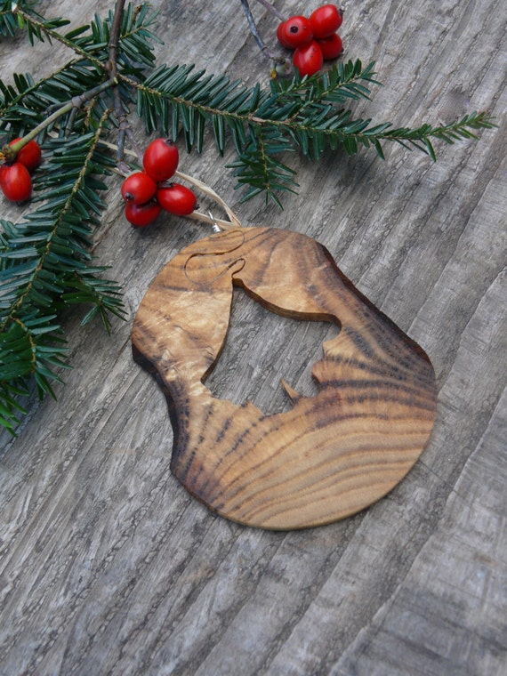 Natural Christmas Tree Ornaments, Wooden Christmas Ornaments, Gingo Leaf Ornament, Rustic Wooden Holiday Decor, Unique Holiday Decorations