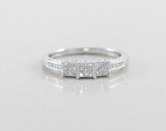 10k White Gold Diamond Cluster Ring size 7