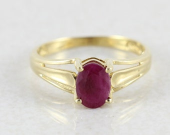 10k Yellow Gold Natural Ruby Ring Size 6