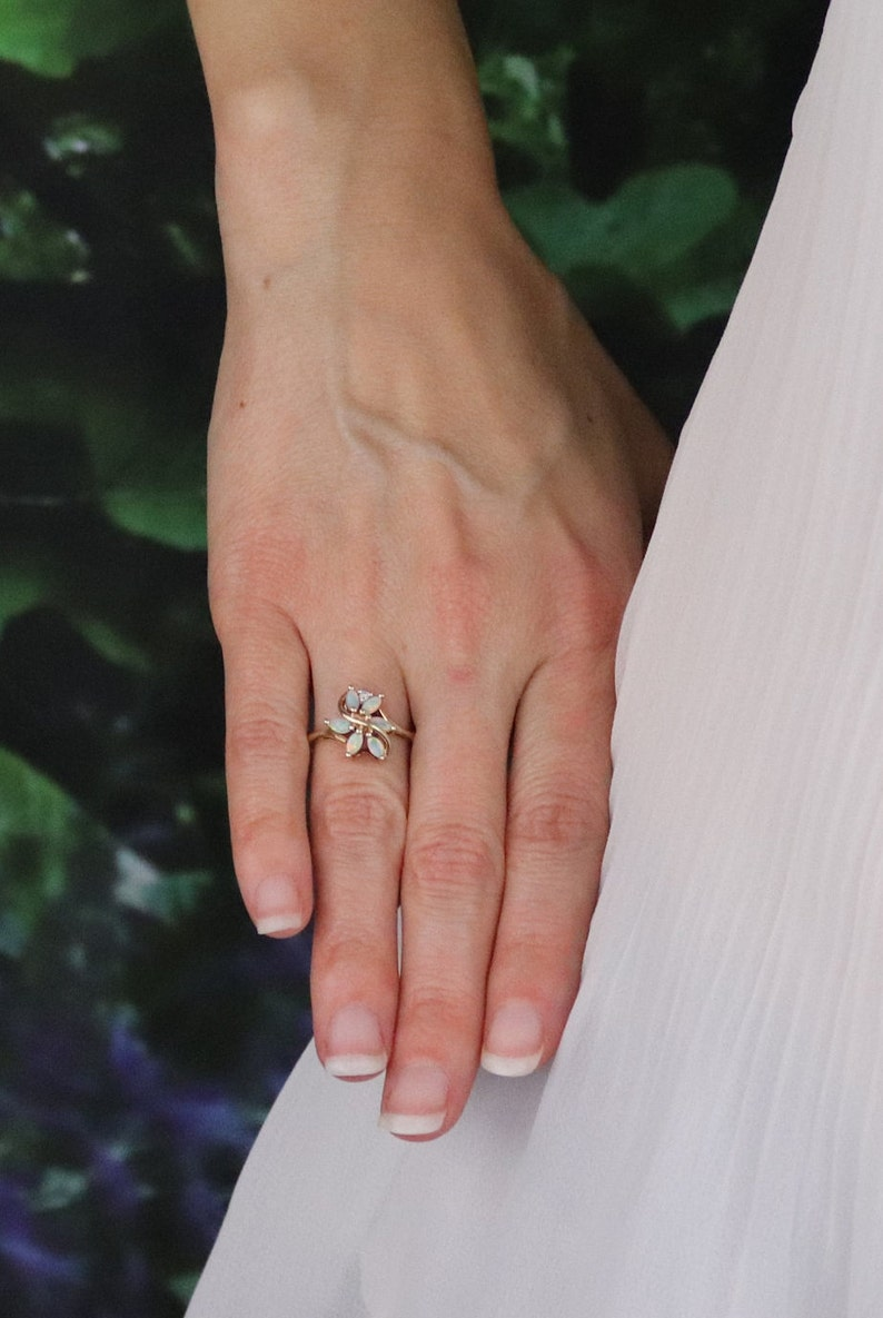 10k Yellow Gold Natural Opal and Diamond Ring Size 6 12