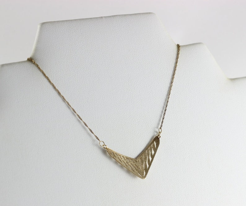 10K Yellow Gold Chevron Necklace 16 inch chain Choker